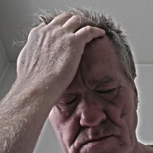 Eine Zwangsversteigerung wirkt sich auf die Gesundheit aus. Stresssymptome, Schlaflosigkeit und andere Beschwerden treten auf.