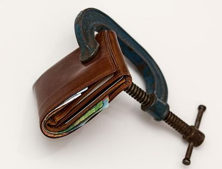 Ein Kredit trotz negativer Schufa wird Ihnen häufig in Aussicht gestellt. Doch was steckt dahinter? Sind das alles Gutmenschen?